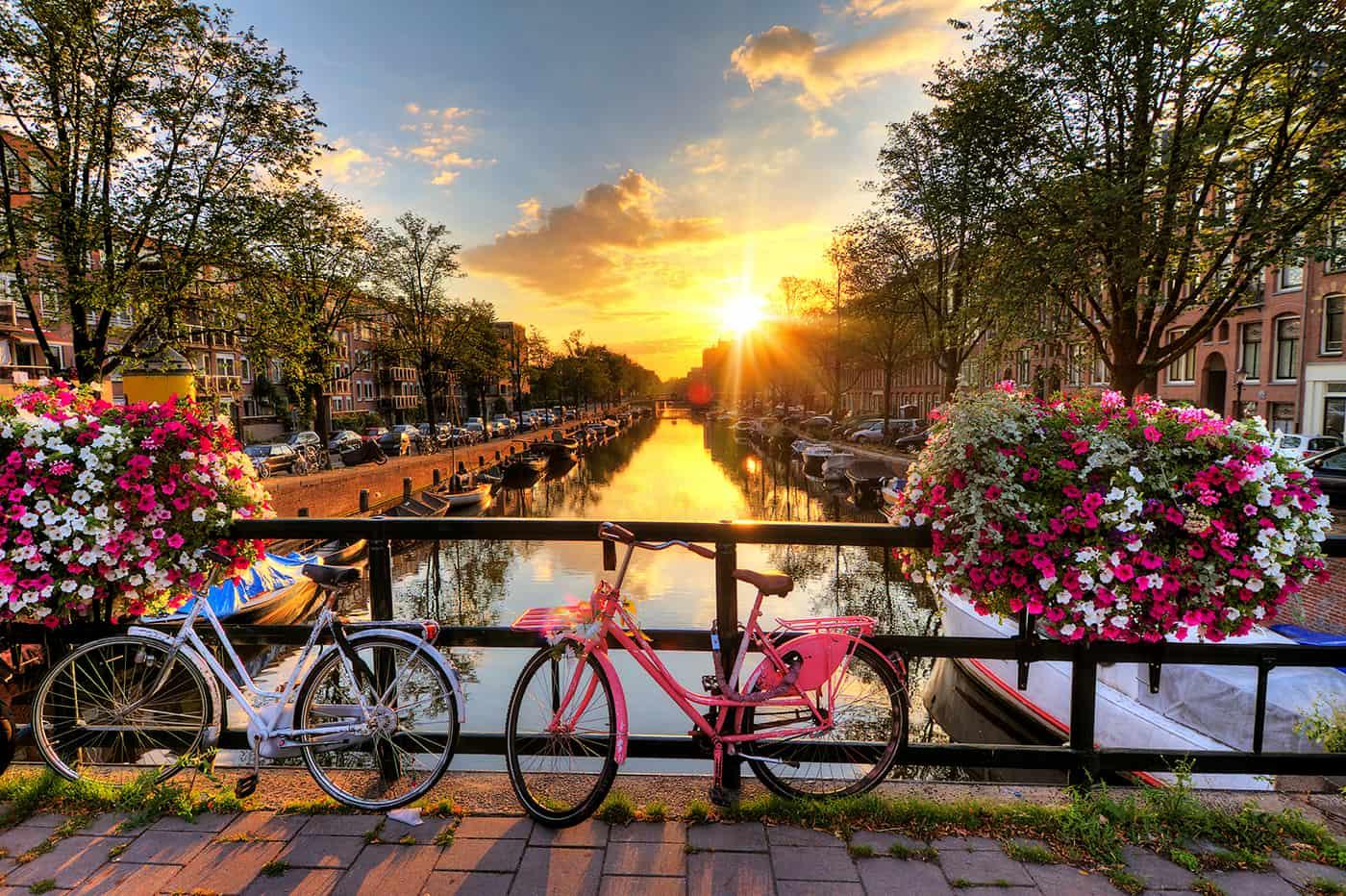 Amesterdão: 2 noites + voos, desde 172€