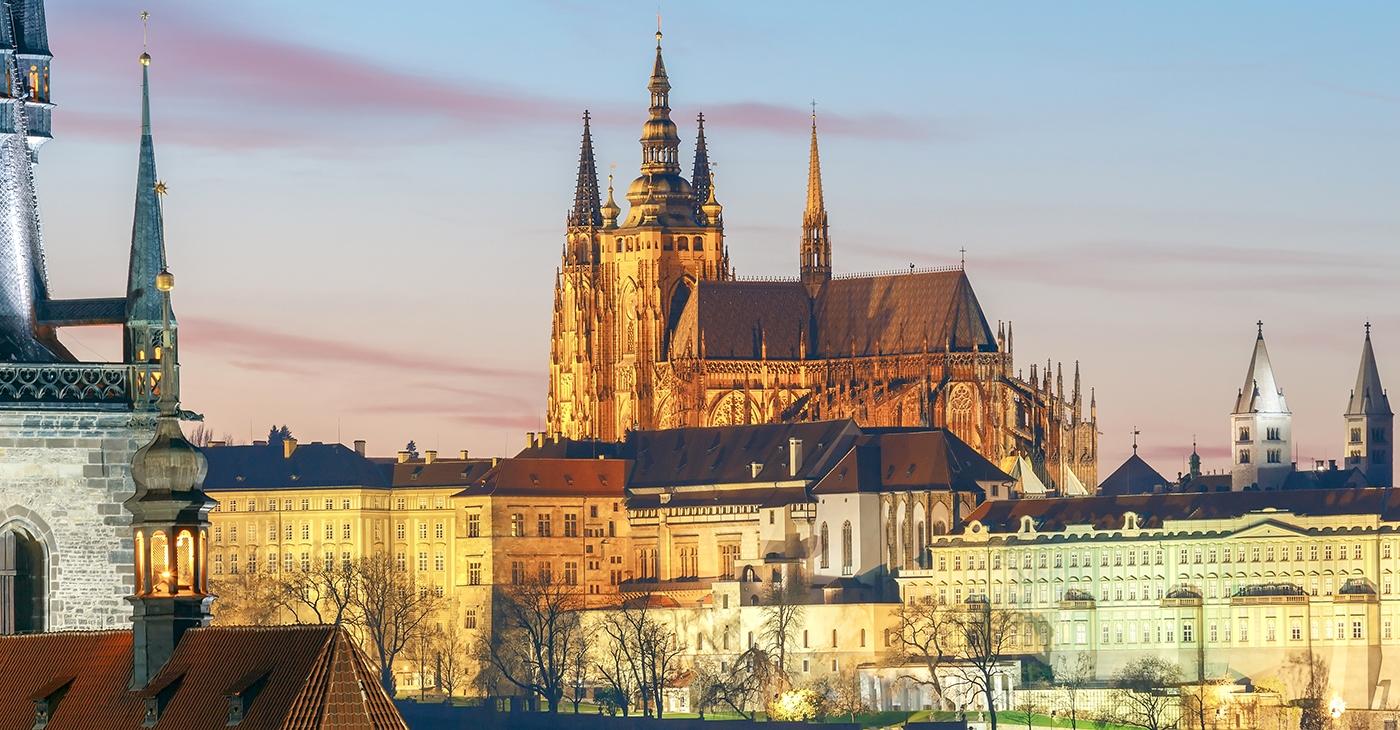 Praga: 2 noites + voos, desde 209€