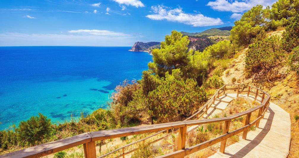 Ibiza: 5 noites + voos, desde 388€